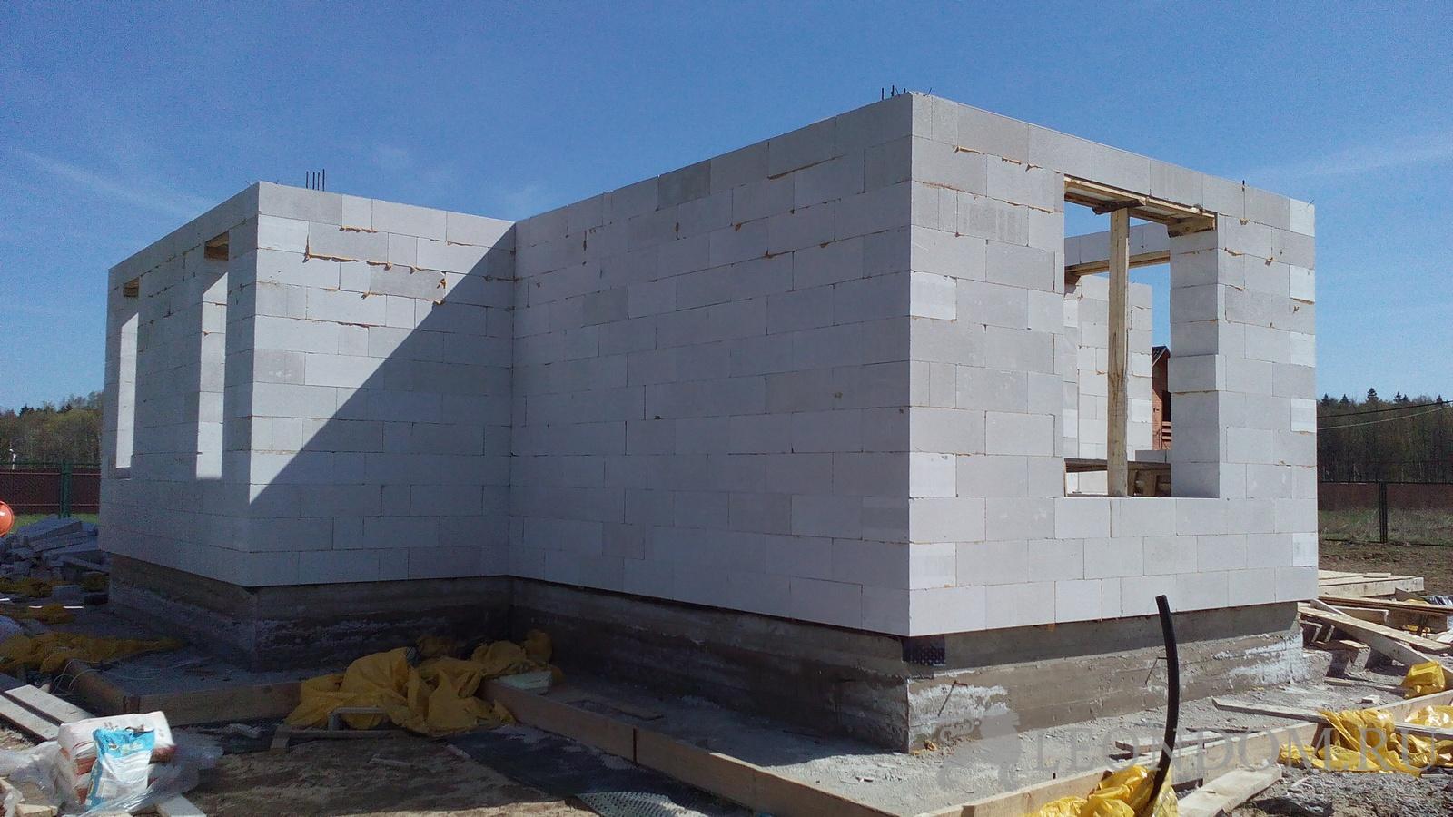 Строим дом из газоблока своими руками 77